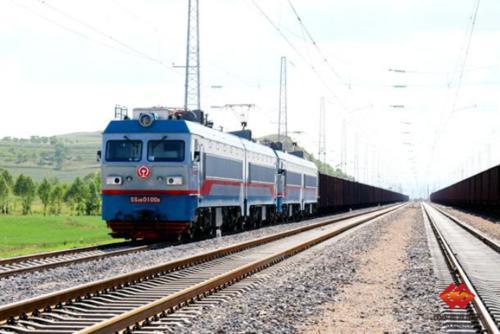 万吨机车牵引技术改造在国家能源集团稳步推进-《国资报告》杂志
